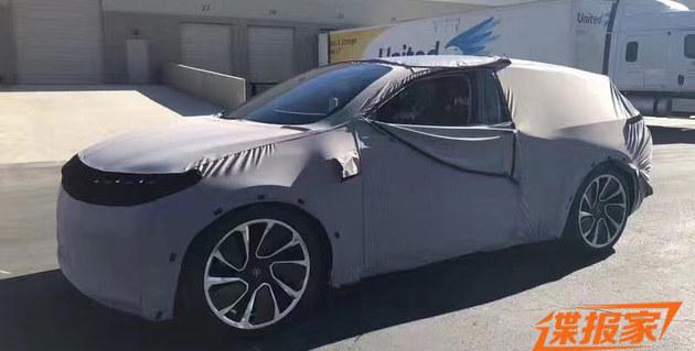 拜腾首款电动SUV概念车谍照 1月7日亮相