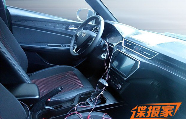 曝骏派CX65量产版内饰谍照 或年内上市