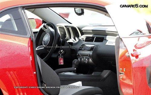 搭载556马力V8 2012款卡玛洛谍照曝光
