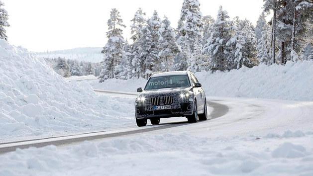 4.4升双涡轮V8发动机 宝马X7或年底亮相