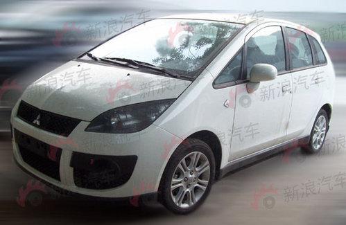 外形更加运动 三菱运动版COLT车型曝光