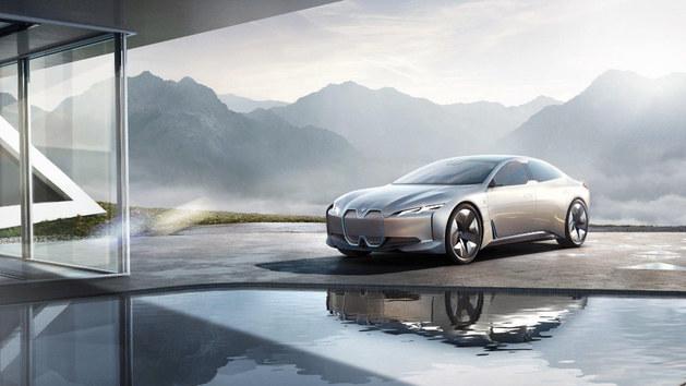 宝马发布新能源车型计划 12款纯电动车型