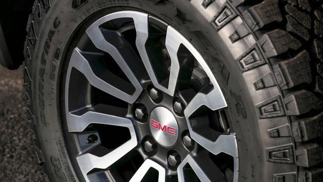 2018纽约车展 新款GMC SIERRA AT4亮相