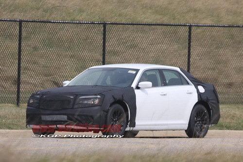肌肉车传奇延续 新款克莱斯勒300C谍照图