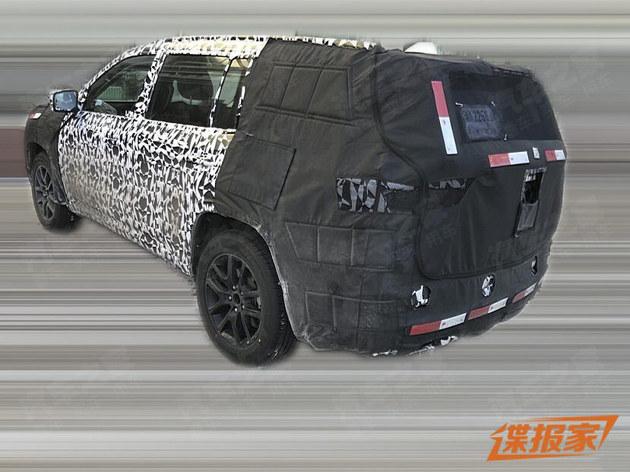 Jeep大指挥官5座版车型谍照 更多选择