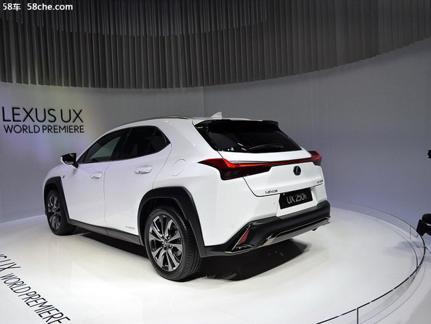 2018成都车展 雷克萨斯UX车型亚洲首发