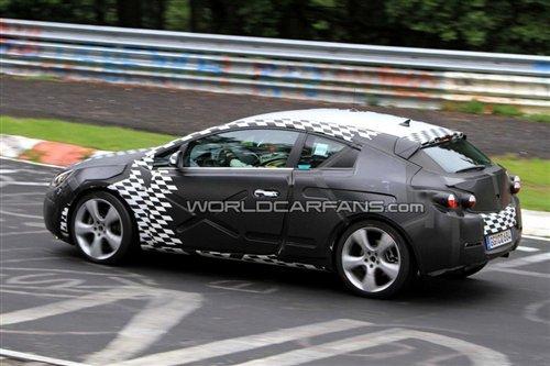 最早10月发布 欧宝Astra OPC赛道测试照