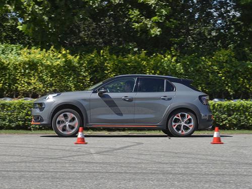领克02 1.5T两驱性能测试 动力匹配优异