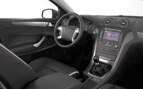 福特蒙迪欧2.0t发动机 福特蒙迪欧发动机皮带 福特蒙迪欧致胜发动机高清图片