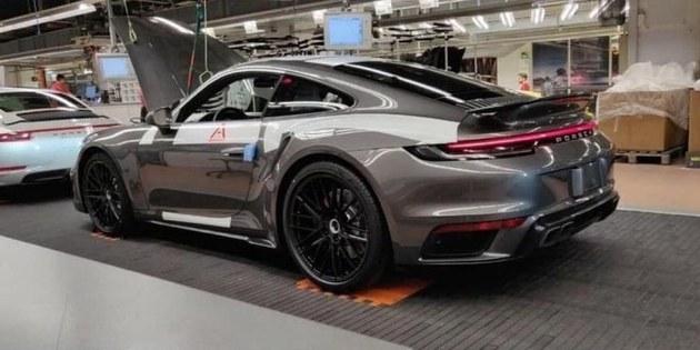 贴地飞行器 新保时捷911Turbo实车曝光