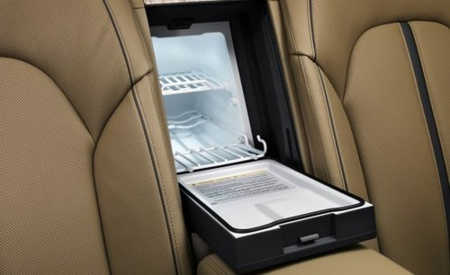 豪华运动舒适珍品 2011款奥迪A8L试驾