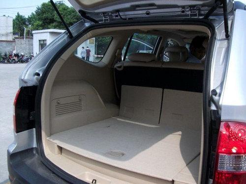 上市在即 荣威首款SUV W5多图谍照首曝