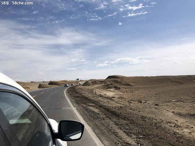 开奇骏穿越无人区 走火星公路看雅丹地貌