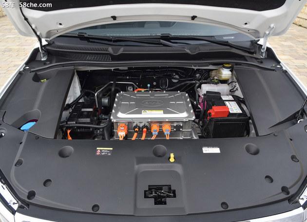 双车上阵,比亚迪全新秦燃油/EV上市