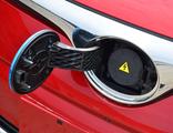 1月车市数据出炉 新能源车销量腰斩!