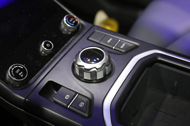 提供两驱和四驱版本 哪吒U将3月下旬上市