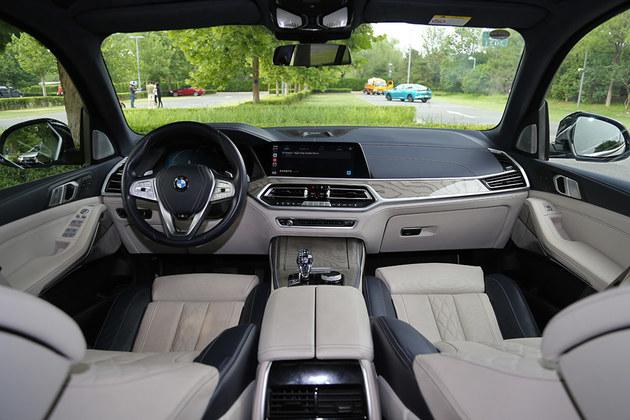 无法抗拒的全尺寸 试驾宝马X7 xDrive40i