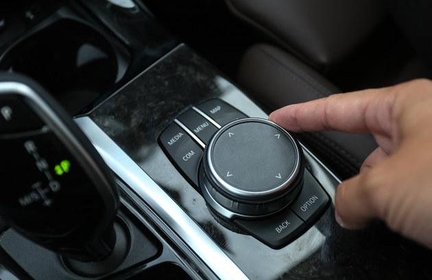 BMW X3为啥卖这好?我来西北探究答案