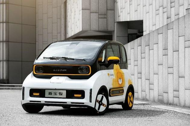 新宝骏E300小biu联名款北京车展发布