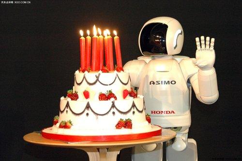 最先进的类人型机器人ASIMO 10周岁纪念