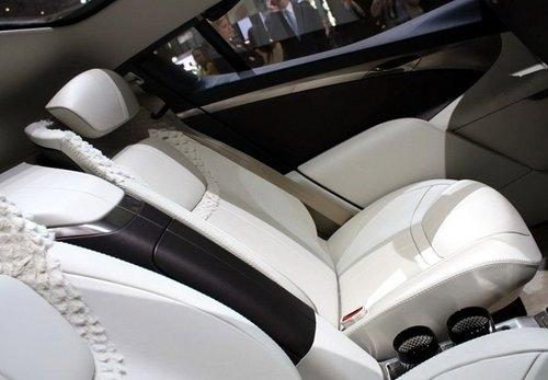 定位豪华SUV 阿斯顿马丁Lagonda将量产