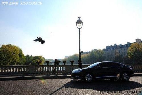 巴黎街头惊现国际名导 亲自操刀C5广告