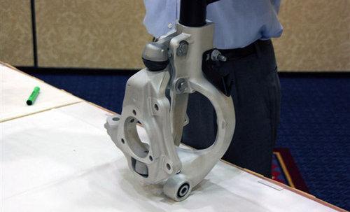 麦弗逊进化 解君威GS的Hiper strut悬挂