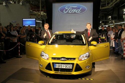 三种车型 福特新一代福克斯开始量产