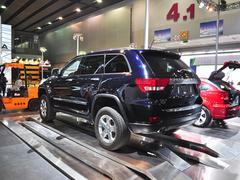 简约主义 车展实拍2011款吉普大切诺基