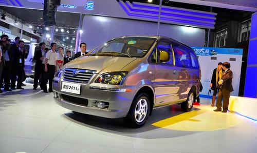 搭载3款发动机 2011款风行菱智正式发布
