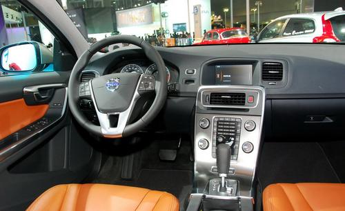 预售区间30-60万元 沃尔沃S60亮相车展