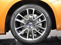 极具运动性家轿 沃尔沃S60车展抢先实拍