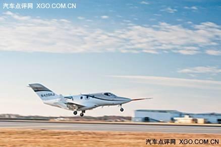 量产小型商务飞机hondajet首次试航成功