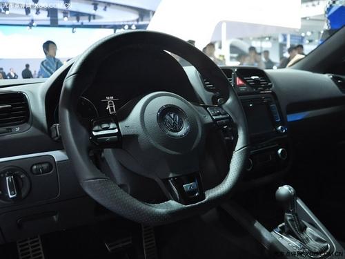 凶猛依然 广州车展静态体验深蓝色尚酷R
