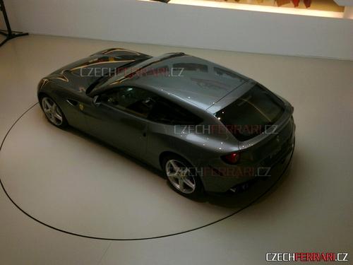 四驱旅行车 法拉利发布全新Four概念车