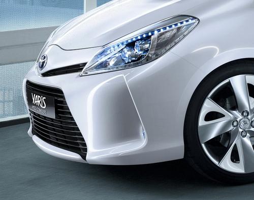 下月车展发布 丰田将推出Yaris HSD版