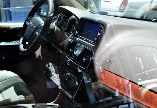 新款克莱斯勒300与Grand Voyager发布