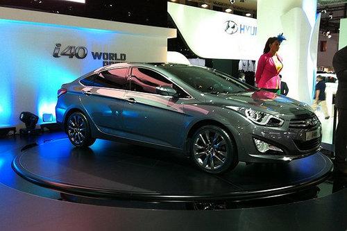 i40轿车与现代最新车型一样都采用了流体雕塑设计