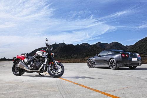 左右逢源 日产GT-R与雅马哈V-Max对决