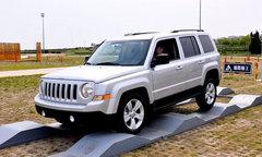 时尚or越野 Jeep指南者/自由客对比解析