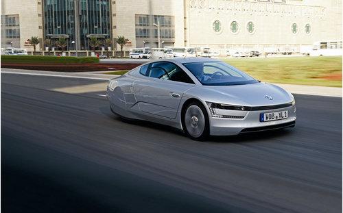 百公里油耗0.9L 大众XL1概念车试驾体验