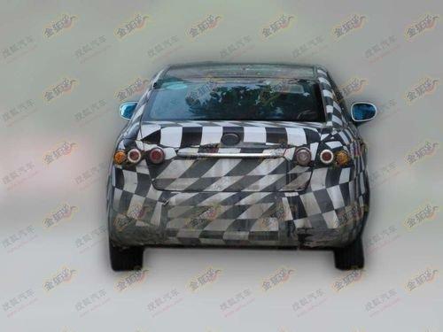 明年下半年推出 一汽奔腾B90贴身实拍