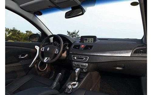 浪漫且估价的法国车 简单试驾雷诺风朗