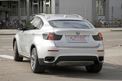 将于明年发布 2012款宝马X6路试再曝光