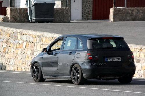 明年正式发布 奔驰新B级AMG版车型曝光