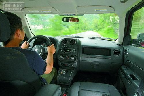 家族精神的继任者 测试Jeep自由客2.4