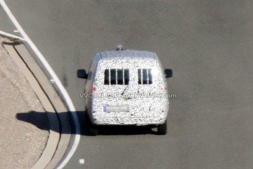 酷似雷诺康果 奔驰新式轻型商务车曝光