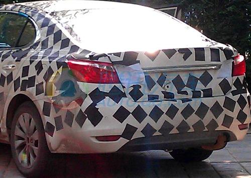 长安全新中级轿车CD101图片再次曝光