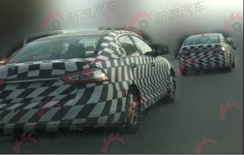明后年上市 奔腾B9中级车/SUV谍照曝光
