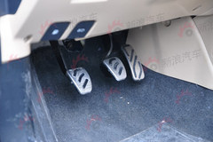 荣威350的两厢版 上汽MG5路试谍照曝光
